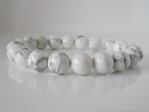 Chunky White & Pastel Grey Turquoise (Howlite) Beaded Fashion Bracelet